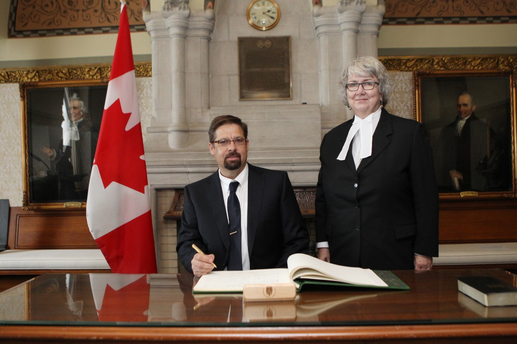 David Signs into the House of Commons